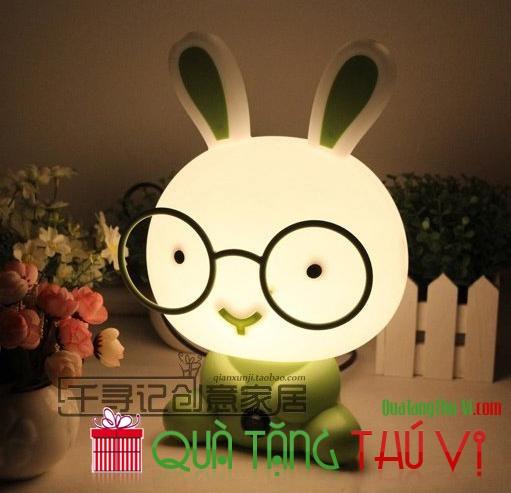 Đèn hình thỏ đeo kính