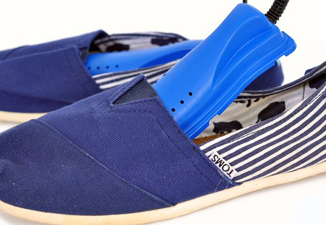 Máy sấy khử mùi giày