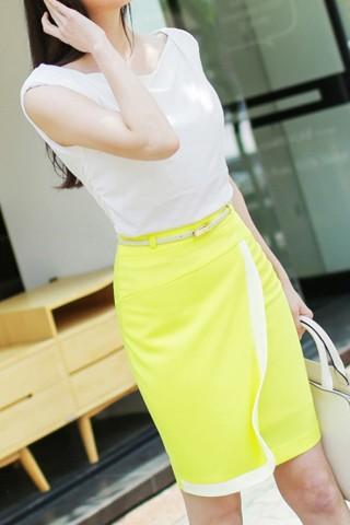 Chân váy bút chì  xẻ trước thời trang